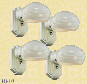 Porcelain Wall Sconce (663-ANT)