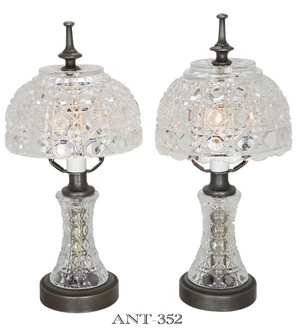 Pair of Daisy & Button Style Pattern Glass Table Lamps (ANT-352)