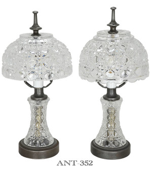 Pair-of-Daisy-and-Button-Style-Pattern-Glass-Table-Lamps-(ANT-352)