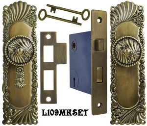 Victorian Corbin Roanoke Door Plate Set with Locking Keyed Mortise (L109MKSET)