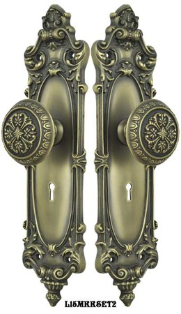 Victorian-Rococo-Yale-Pattern-with-Gothic-Knob-Set-with-Locking-Keyed-Mortise-(L15MKKSET2)