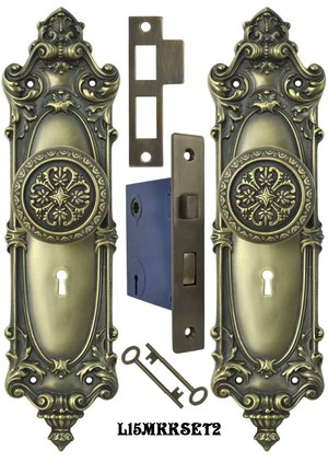 Victorian Rococo Yale Pattern with Gothic Knob Set with Locking Keyed Mortise (L15MKKSET2)