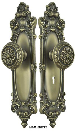 Victorian-Rococo-Yale-Pattern-with-Gothic-Knob-Set-with-Locking-Keyed-Mortise-(L15MKSET2)