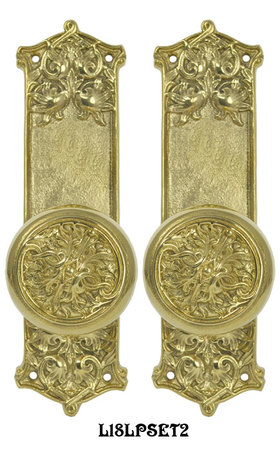 Victorian-Scroll-Pattern-Door-Plate-Low-Knob-Passage-Set-(L18LPSET2)