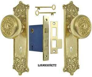 Victorian Scroll Pattern Door Plate Set with Fancy Scroll Design Doorknobs and Locking Keyed Mortise (L18MKKSET2)