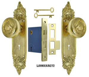 French Louis Style Door Plate Set with Scroll Design Doorknobs and Locking Keyed Mortise (L19MKKSET2)
