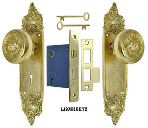 Louis Style Door Plate Set with Fancy Scroll Design Doorknobs and Locking Keyed Mortise (L19MKSET2)