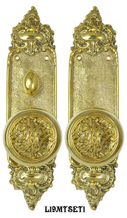 Louis-Style-Door-Plate-Passage-Set-with-Fancy-Scroll-Design-Doorknobs-and-Locking-Turnlatch-Mortise-(L19MTSET2)