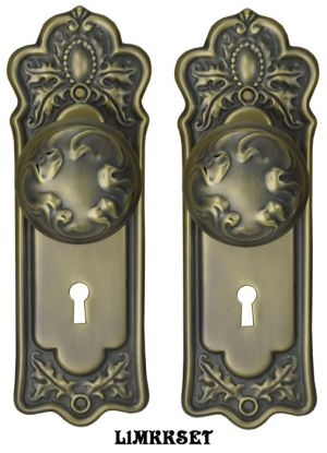 Victorian Door Plate Set with Ribbon Design Doorknobs and Locking Keyed Mortise (L1MKKSET)