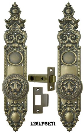 Victorian Heraldic Door Plate with Large Lion Knob Interior Passage Set (L26LPSET1)