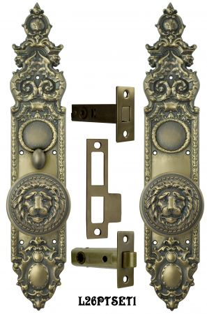 Victorian Heraldic Door Plate with Large Lion Knob Set and Locking Turnlatch (L26PTSET1)