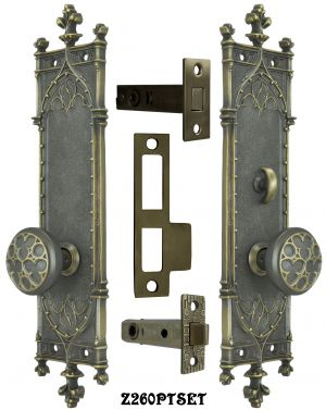 Gothic-Amiens-Interior-Passage-Set-with-Locking-Turnlatch-(Z260PTSET)